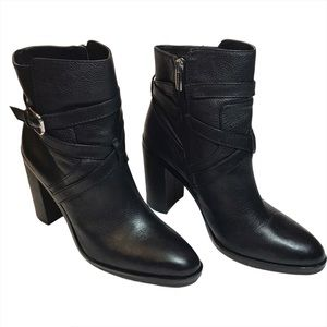 Vince Camuto zip up booties, black, Size 9.5